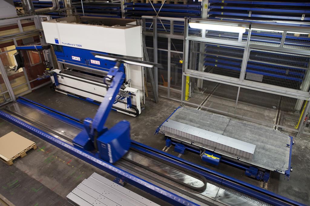 Kantpressar robotiserade tillhörande Rotage maskinpark